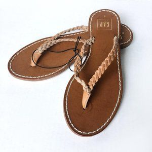NWT GAP braided leather thong sandals - size 6